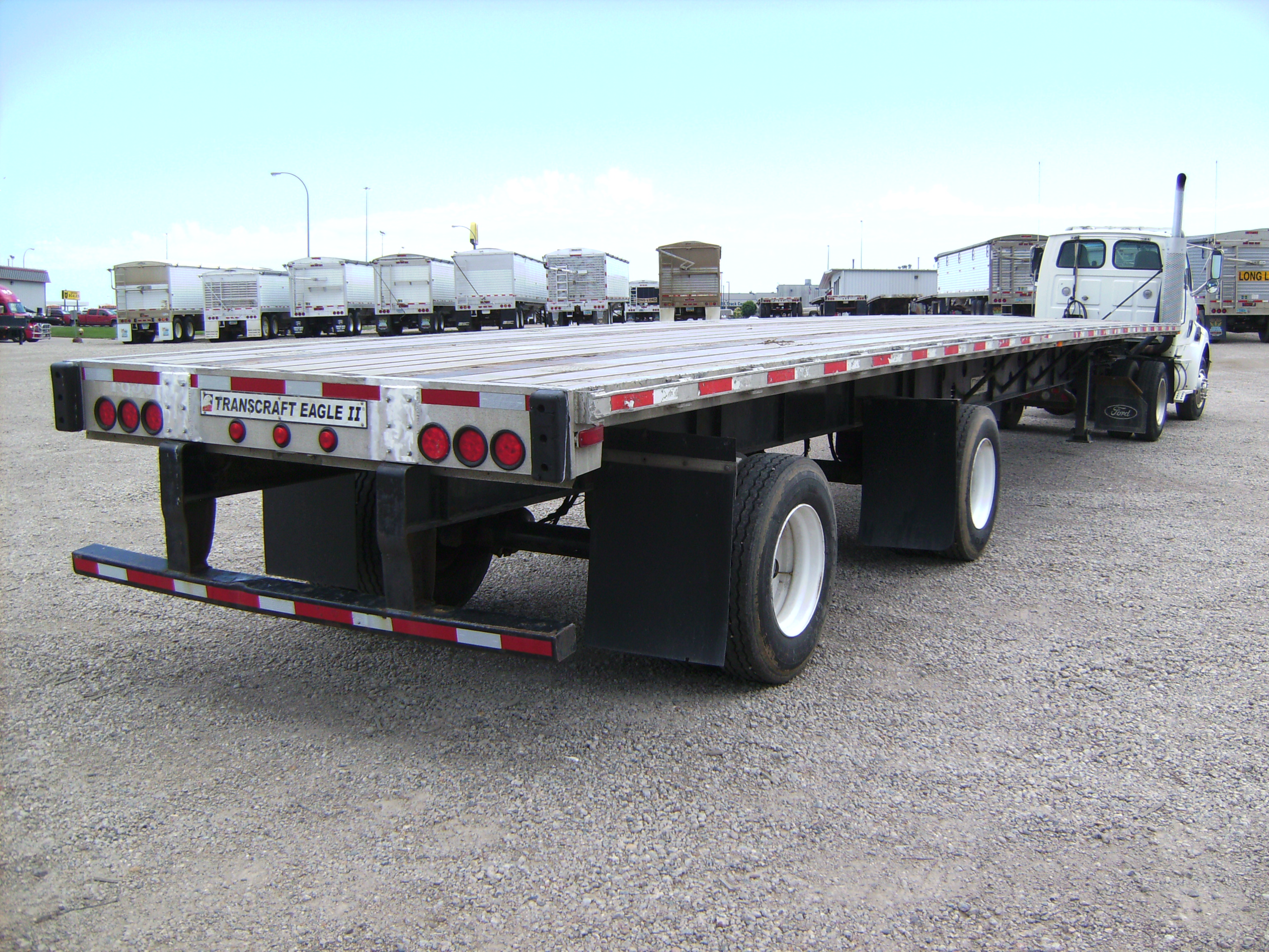 http://www.semitrailersalesandleasing.com/image/cache/2005_Transcraft_48x102_flatbed_012740_007.JPG Image