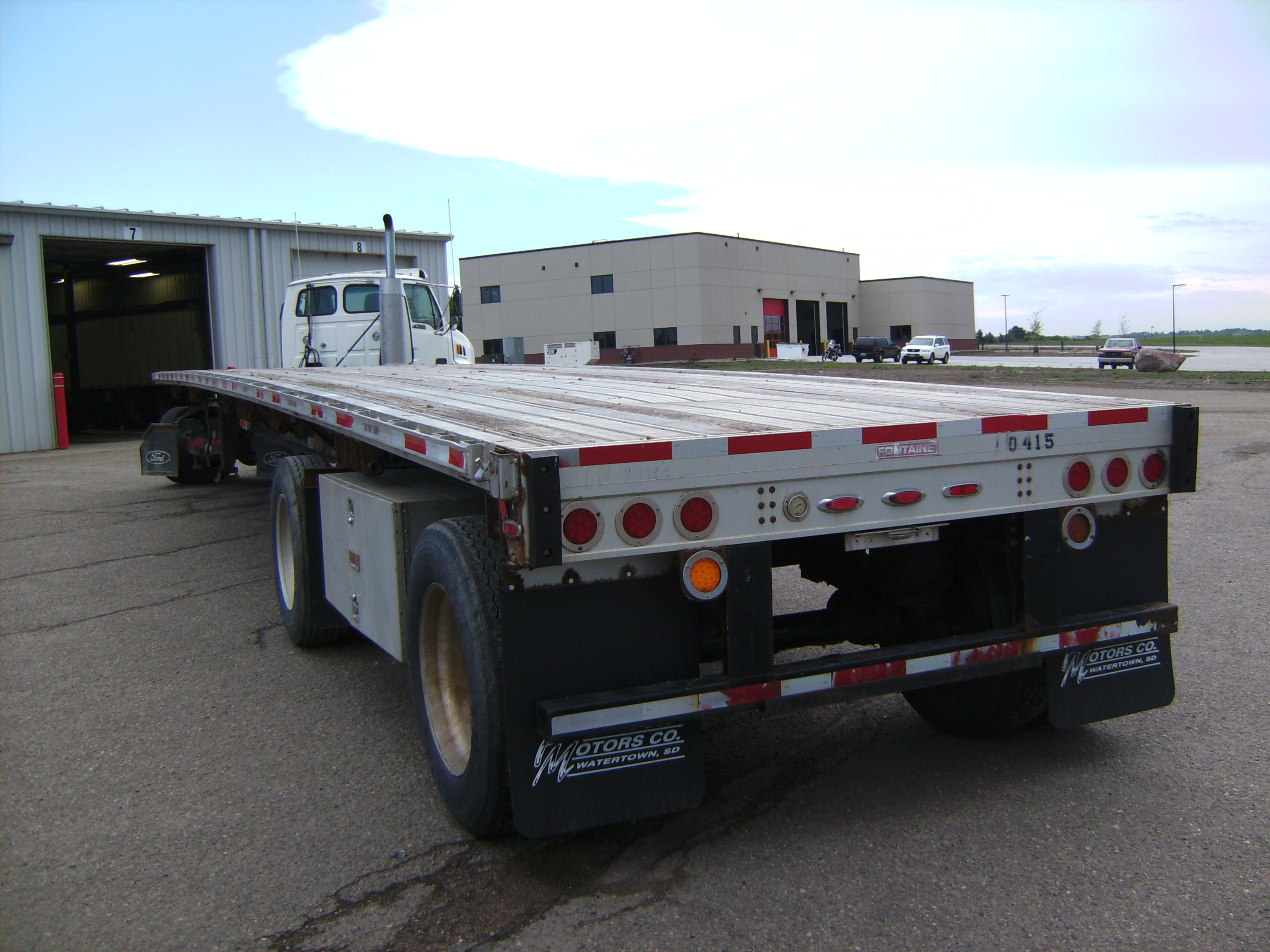 http://www.semitrailersalesandleasing.com/image/cache/2007_Fontaine_48x102_flatbed_540415_006.JPG Image