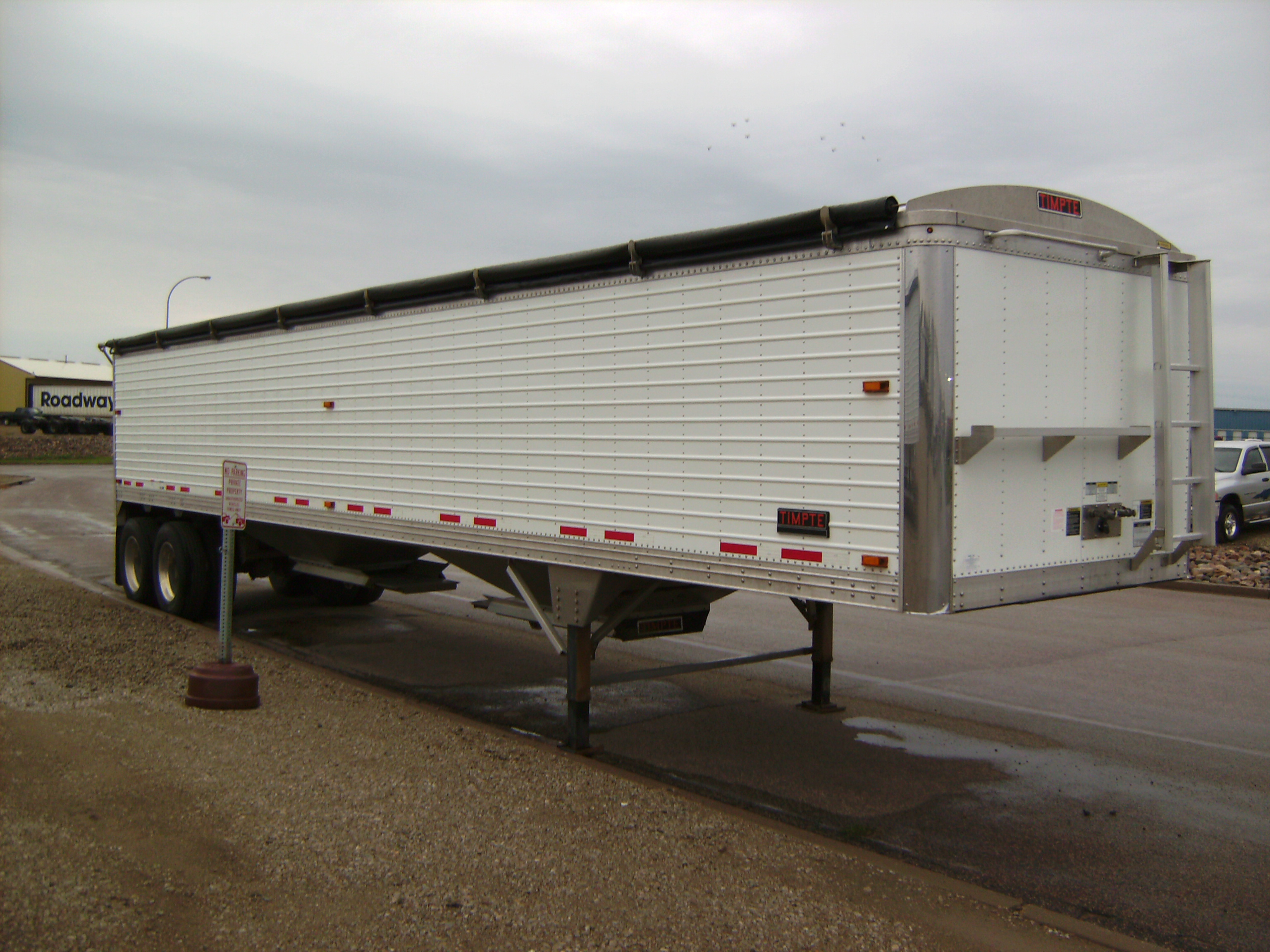 http://www.semitrailersalesandleasing.com/image/cache/2015_Timpte_40x72x96_ag_hopper_144461_009.JPG Image
